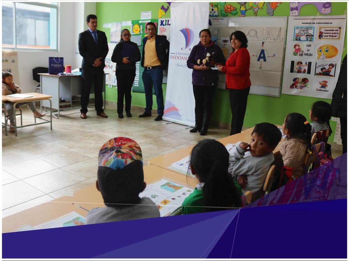 Kit Kiteracy de la Universidad Indoamérica beneficia a estudiantes de la Unidad Educativa del Milenio Chibuleo