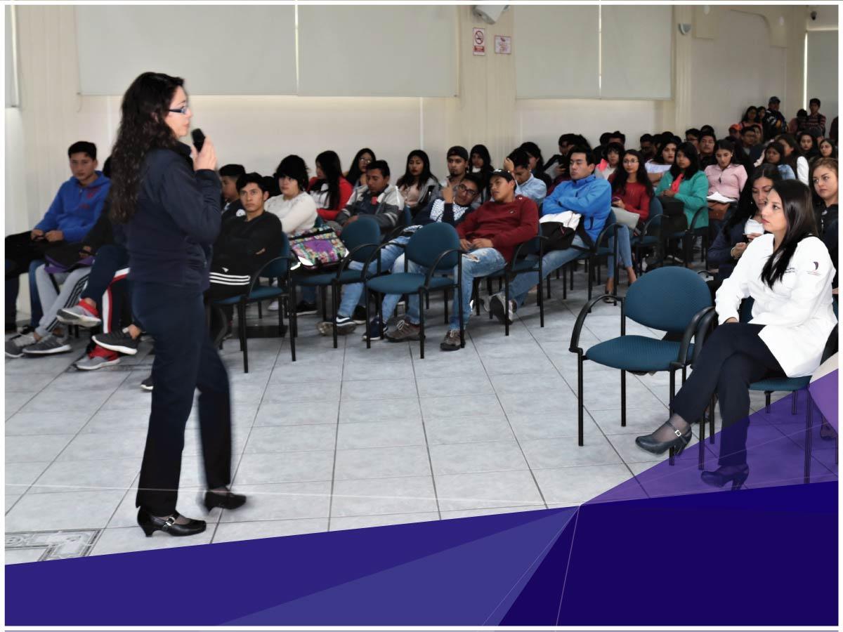 Indoamérica socializa beneficios a los nuevos estudiantes
