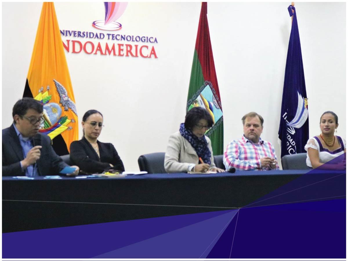Unidad de Posgrado de la Universidad Indoamérica realizó conversatorio de género y desarrollo