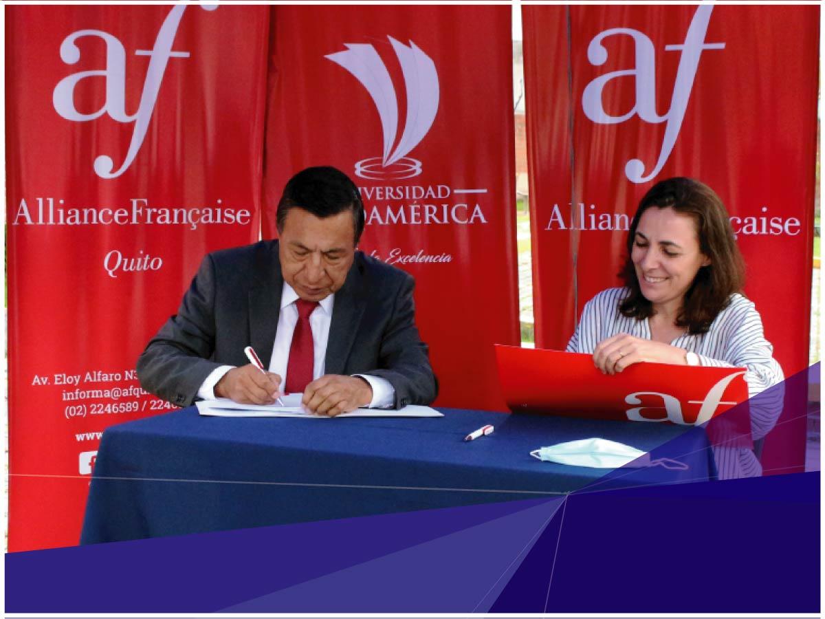 Indoamérica firma convenio con Alianza Francesa de Quito