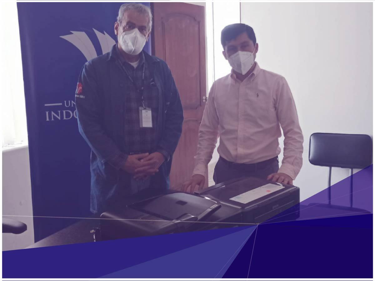 Indoamérica realizó donación de equipos tecnológicos a hospital